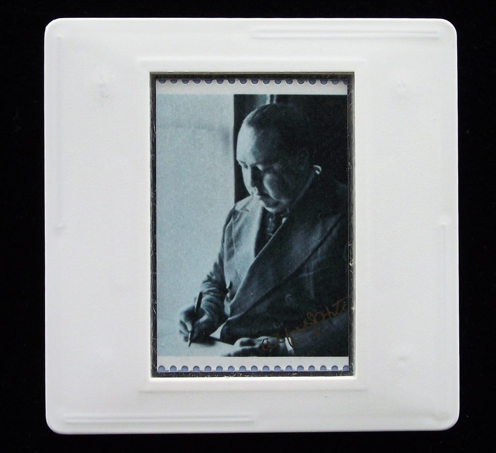 Alfred Hitchcock brooch (from photo by Howard Coster)