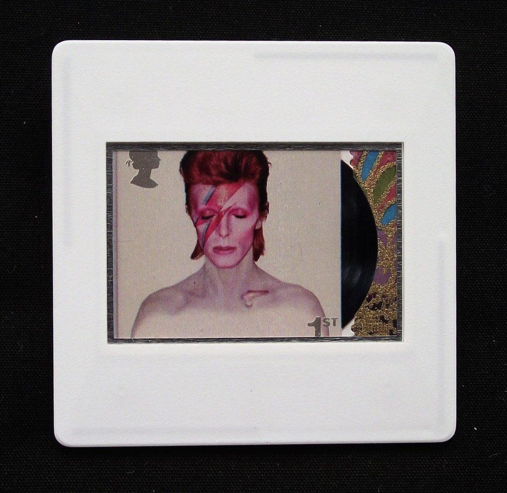 David-Bowie-Aladdin-Sane album cover - Stamp Style badge