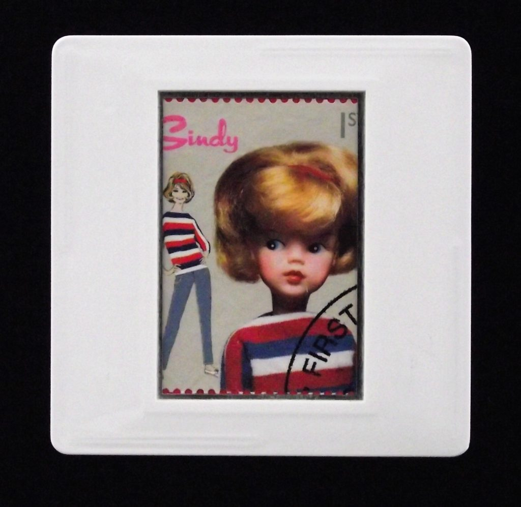 Sindy - classic toys brooches