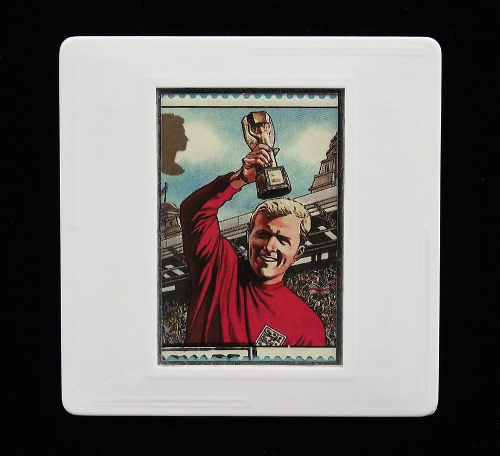 Bobby Moore with World Cup - Football brooch