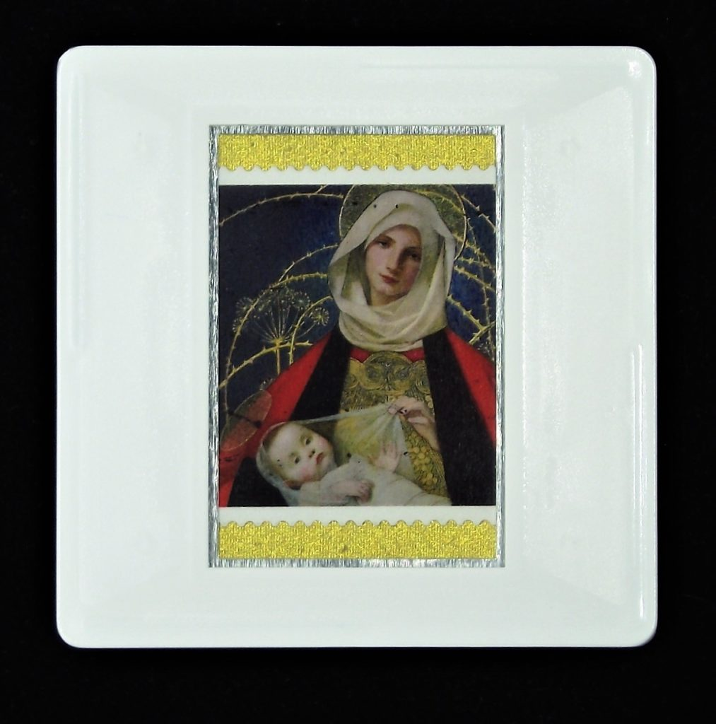 Christmas brooch - 'Madonna and Child' (Marianne Stokes)