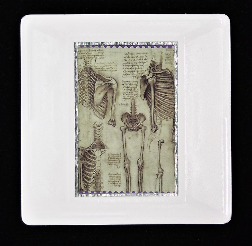 Leonardo da Vinci brooch - The skeleton